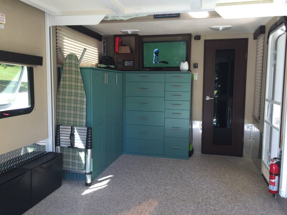 Toy hauler with cabinets
