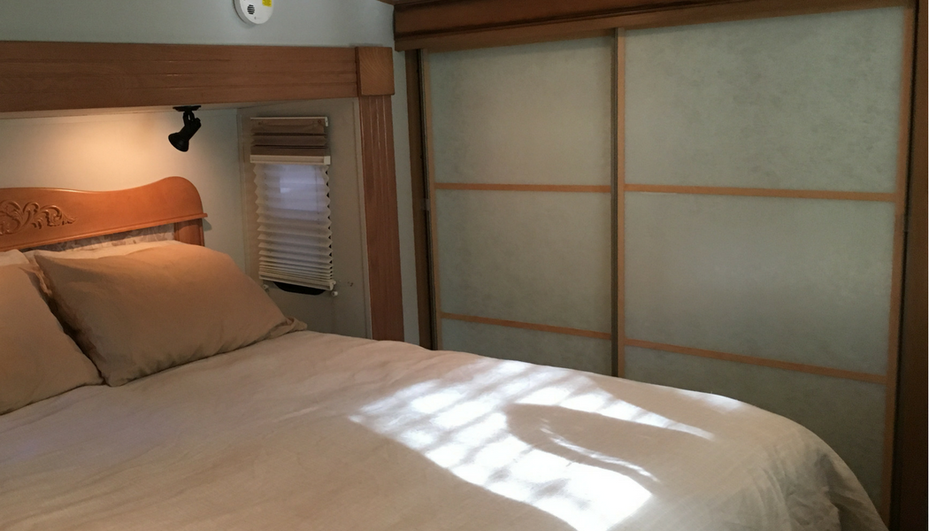 DIY Mirror Closet Makeover Idea: How to Turn Sliding Doors into Japanese Shoji Screens