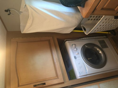 RV Splendide washer / dryer and laundry area