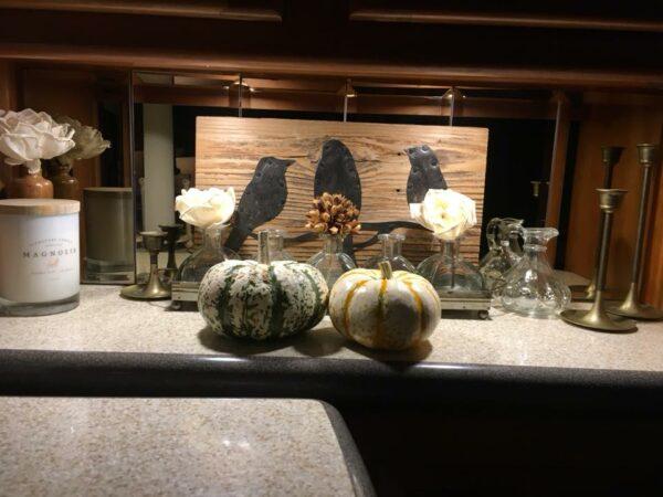 Simple Thanksgiving RV Decorating by Kim Lozano