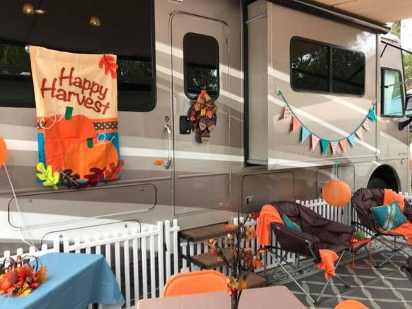 Outside camper decorating ideas for Thanksgiving by Linda Pounds Dobson