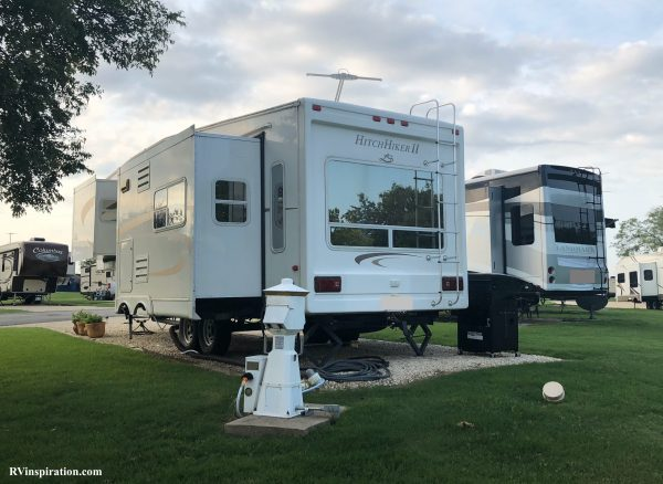 RV with reflective window tinting