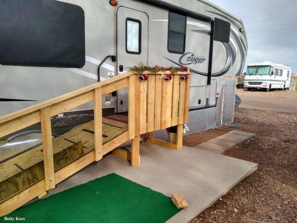 seasonal campsite deck idea