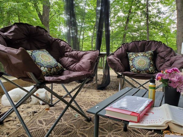 Campsite setup idea - outdoor rug and throw pillows